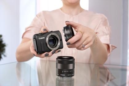 Изображения с DSLR качество за всеки: Canon представя малкия и лесен за използване фотоапарат EOS M